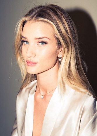 Rosie Huntington Whiteley without Makeup12