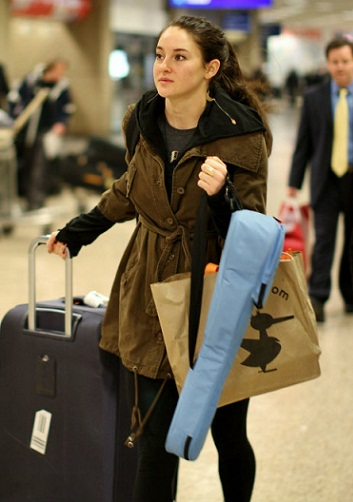 Shailene Woodley without makeup5
