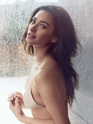 Shay Mitchell Without Makeup 5