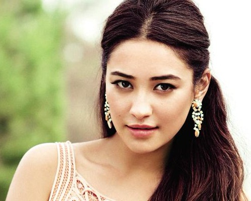 Shay Mitchell Without Makeup 7