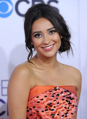 Shay Mitchell Without Makeup 8