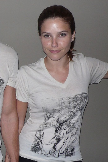 Sophia Bush without makeup1