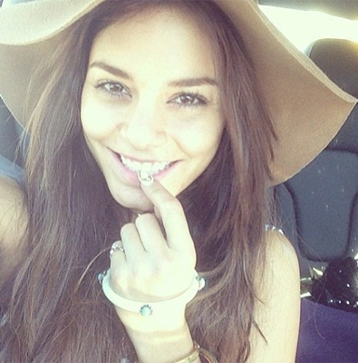 Vanessa Hudgens without Makeup9