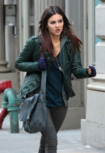 Victoria Justice Films 'Eye Candy' In NYC