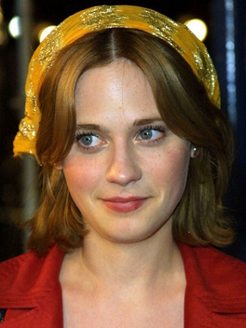Zooey Deschanel without makeup10