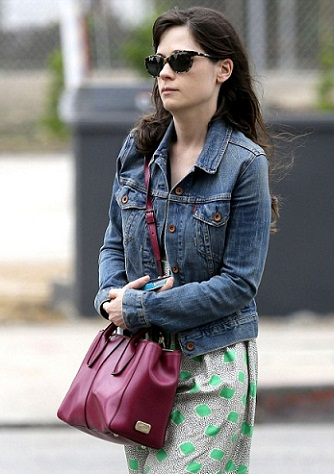 Zooey Deschanel without makeup5