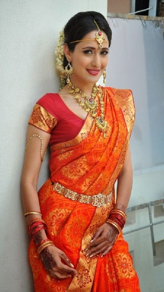 c25db11bd4bb30 20 Beautiful Designs of Orange Sarees For Every Occasion!