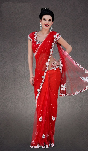 4bb6f6fb22 This is a good-looking saree with a white border that comes with v neck  blouses. The pattern done on it is very attractive and you will be able to  carry ...