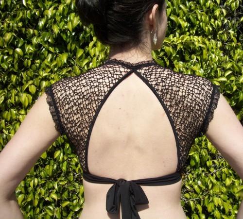 Saree Blouse Back Neck Designs-Net Back Neck Design 5