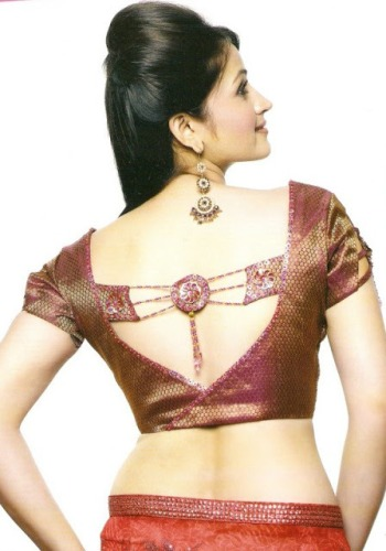 Saree Blouse Designs-V Neck Blouse 16