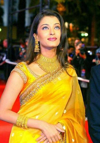 Yellow Sarees-Traditional Celebrity Yellow Saree 8