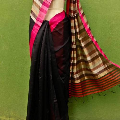 Maheshwari Sarees-Black Maheshwari Silk With Pink Border 2