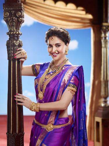 Nauravi Sarees-Bollywood Beauty Selective Nauvari Saree 4