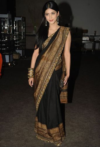 Party Wear Sarees-Simple South Indian Party Wear Sraee 20