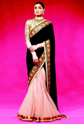 Sabyasachi Saree For Golden Blouses 10