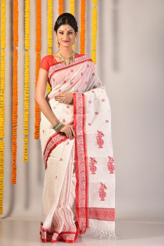 15 Classy Designs Of Tant Sarees To You Look Elegant