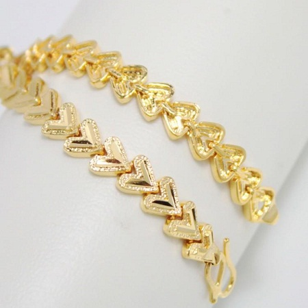 0c6566bbaf8c8 30 Best Gold Bracelets For Women And Girls | Styles At Life