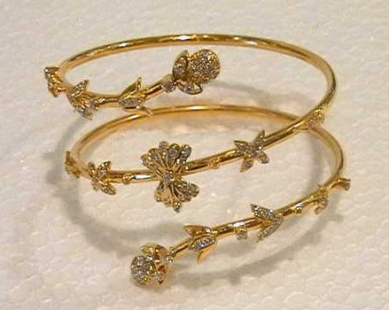 gold-bracelets-for-women-designer-gold-bracelets-for-girls