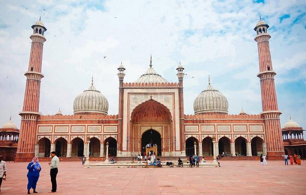 jama-masjid_agra-tourist-places