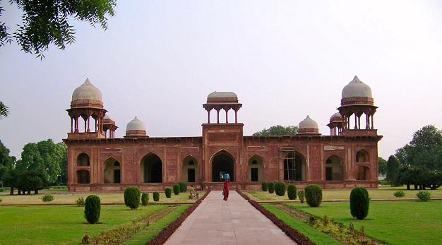 mariam-uz-zamani-tomb_agra-tourist-places