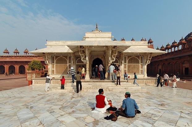 moti-masjid_agra-tourist-places