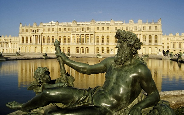 palace-of-versailles_france-tourist-places