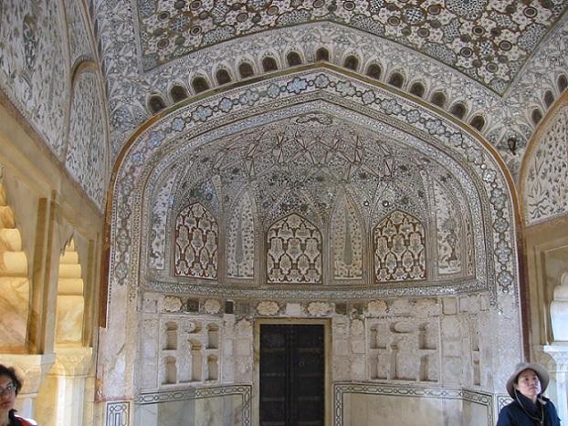 sheesha-mahal_agra-tourist-places