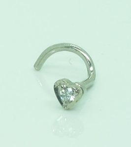 18ct-white-gold-diamond-heart-nose-pin-10