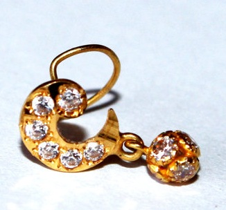22kt-solid-yellow-gold-american-diamond-studded-half-moon-nose-pin10