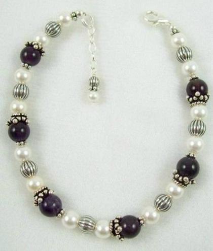 black-and-white-pearl-bracelets1