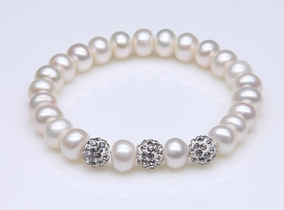 Women Bracelet Designs - pearl-bracelets