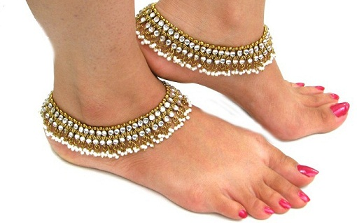 Indian Marriages Have Accepted Anklets As A Tradition Jewelry The Bride Wears Anklet That Is Thick And Beautiful Designed To Be Best With Her Wedding
