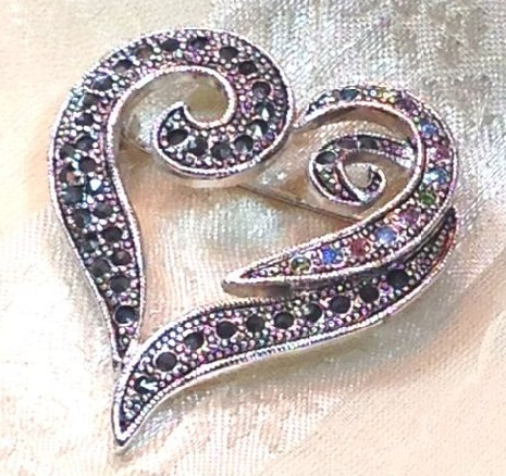 brooch-designs-heart-brooch-design