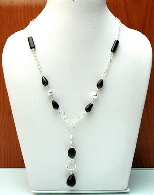 chains-with-stones-19