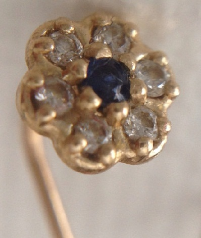 diamond-nose-pin-stud-with-blue-sapphire-in-14k-yellow-white-and-rose-gold-design1