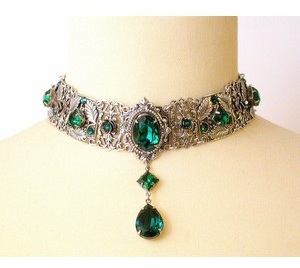 emerald-diamond-choker-necklace-2