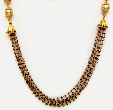 Eye Catching Short Mangalsutra In Gold