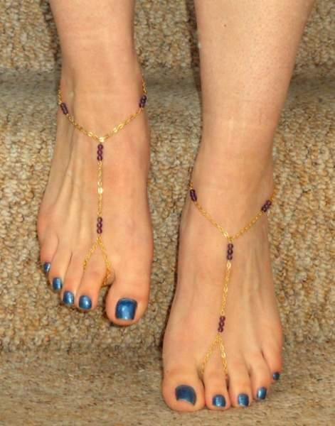 gold-anklets-designs-barefoot-anklet-design