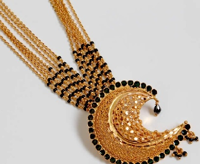gold-mangalsutra-with-multiple-chains-and-black-diamonds-6