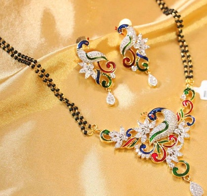 gold-mangalsutra-with-peacock-shaped-pendant-set-7