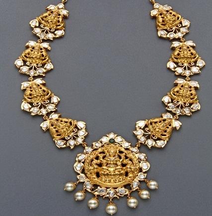 gold-temple-jewellery-designs-pearl-lakshmi-necklace