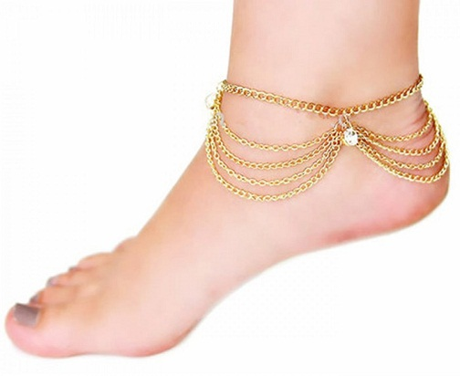 34b1b3cda Here are beautiful ankle bracelets made in pure gold. Girls and women wear  golden anklets only on very special occasions