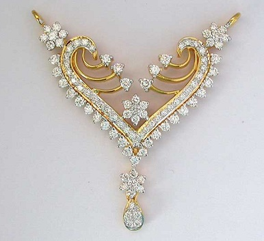 heart-shaped-gold-and-silver-diamond-pendant-1
