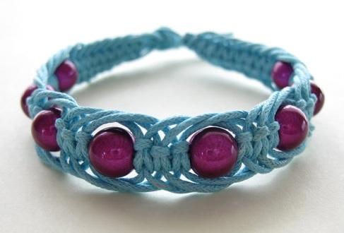 knotted-friendship-bracelets-2