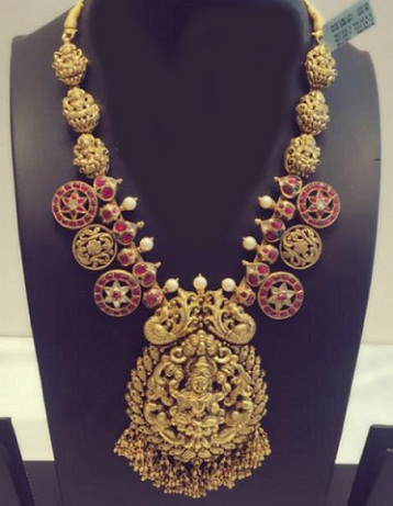 kundan-gold-temple-lakshmi-necklace
