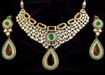 kundan-jewellery-designs-meenakari-kundan-jewellery