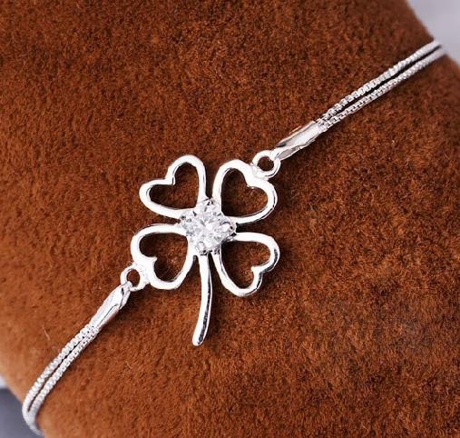 lovely-best-clover-pearl-bracelet1