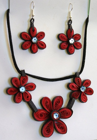 paper-quilling-jewellery-designs-maroon-colour-quilled-necklace-and-earring