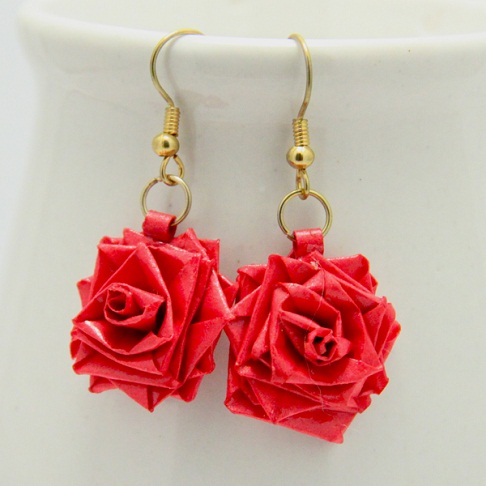paper-quilling-jewellery-designs-paper-quilled-red-rose-earrings