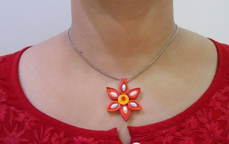 paper-quilling-jewellery-designs-red-colour-paper-quilled-pendant